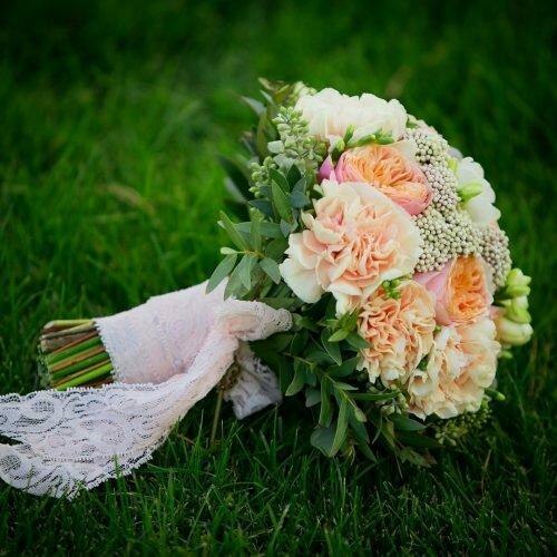 живой свадебный букет